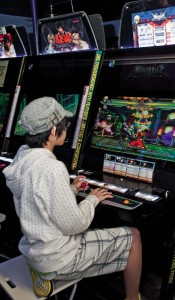 Throwing down on a fighting game at Arcade UFO (2)