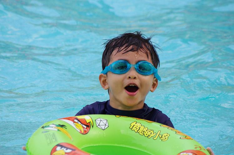 hawaiian falls pool waterpark water park swimming swim swimmer slide fun amusement tubing ropes course