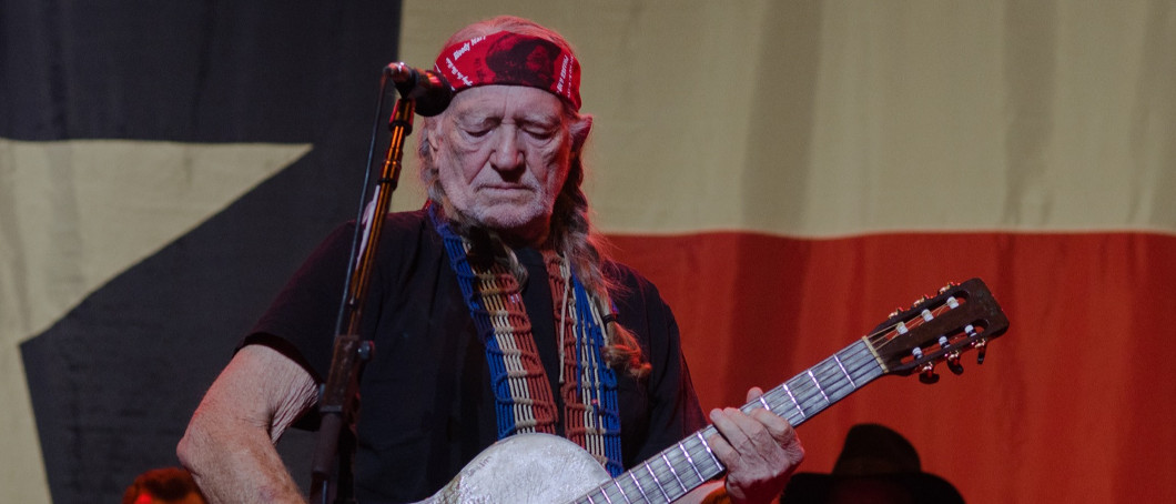 Who Knew Willie Nelson Is Also A Card-Trick Wizard And Master Storyteller?