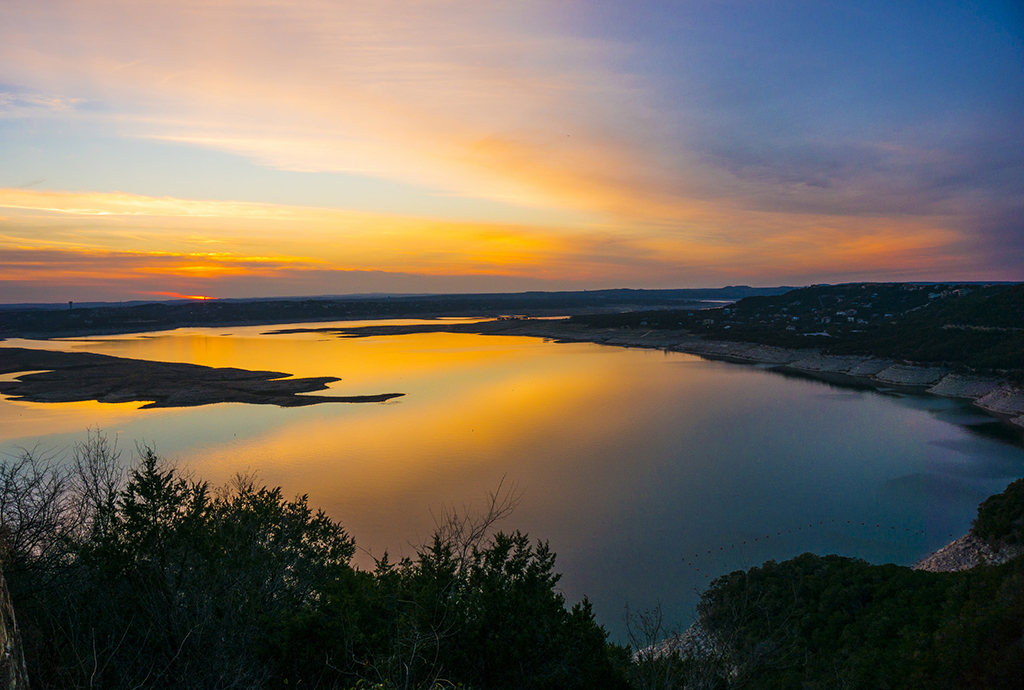 You'll Swoon Over These 10 Gorgeous Lake Travis Sunsets
