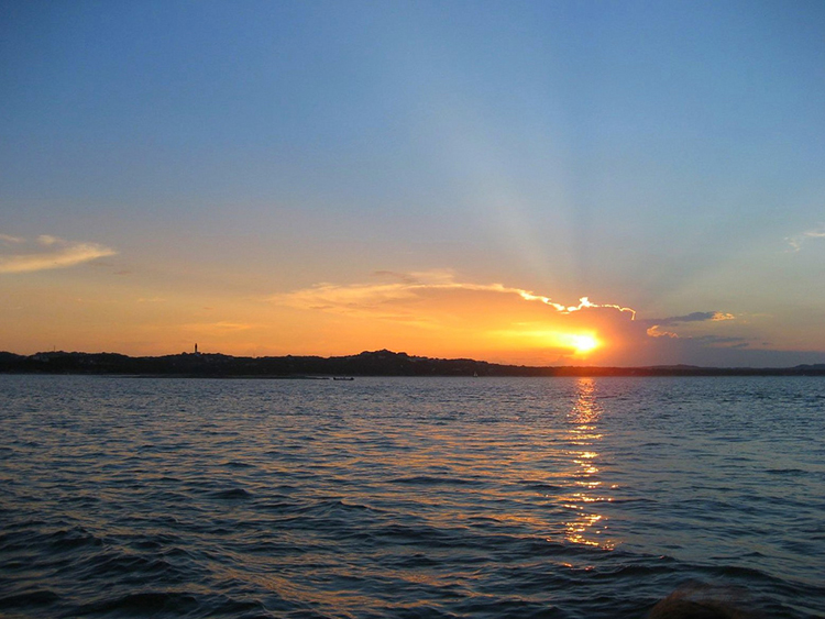 lake-travis-austin-atx-sunset-on-the-water-boat-boating