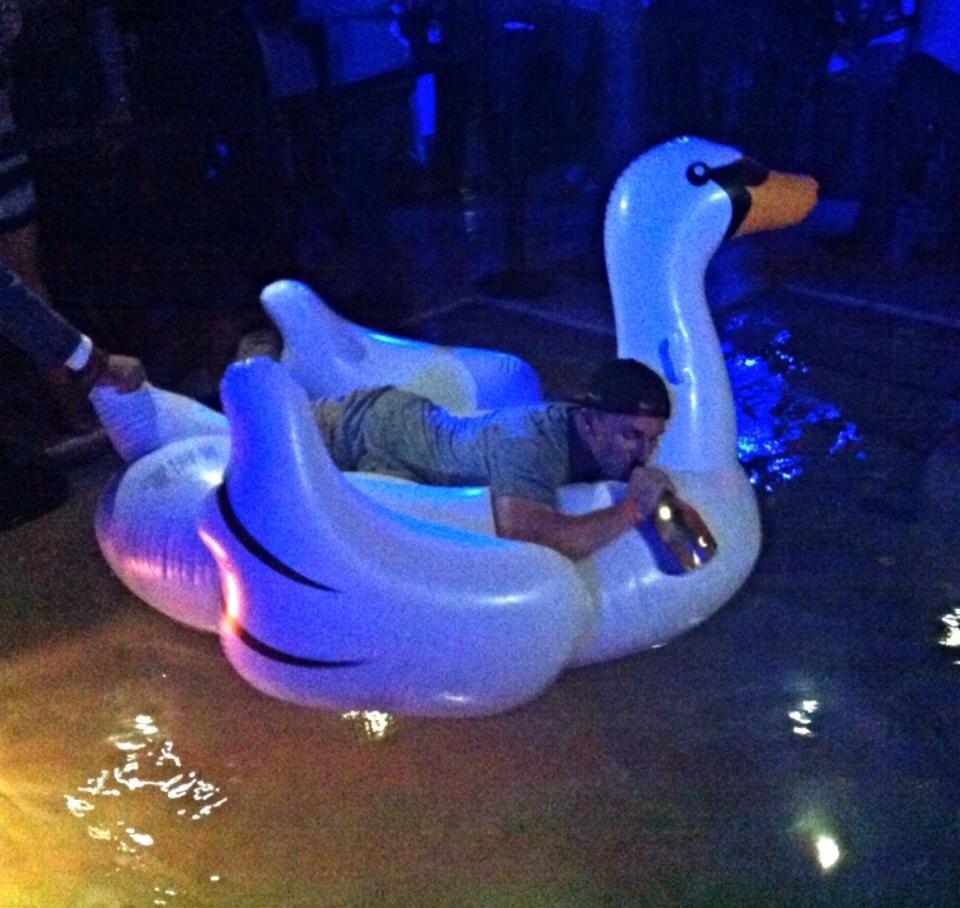 Manziel-Floating-Swan
