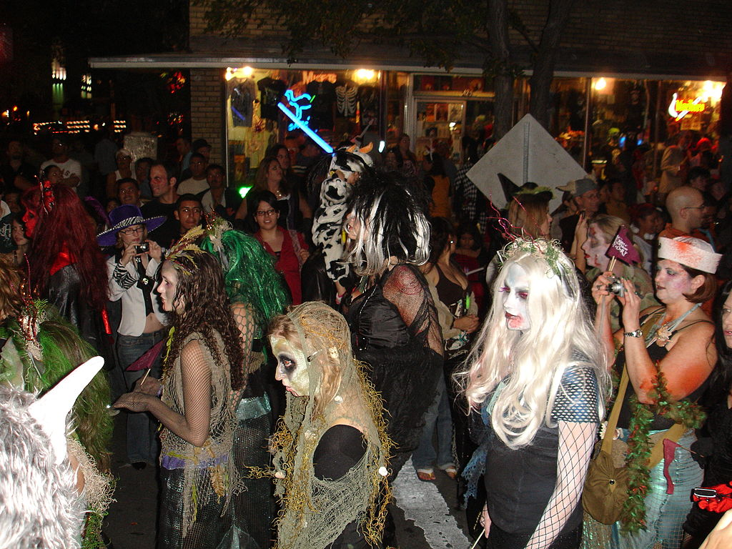 Here Are 10 Last Minute, Austin-Themed Halloween Costume Ideas