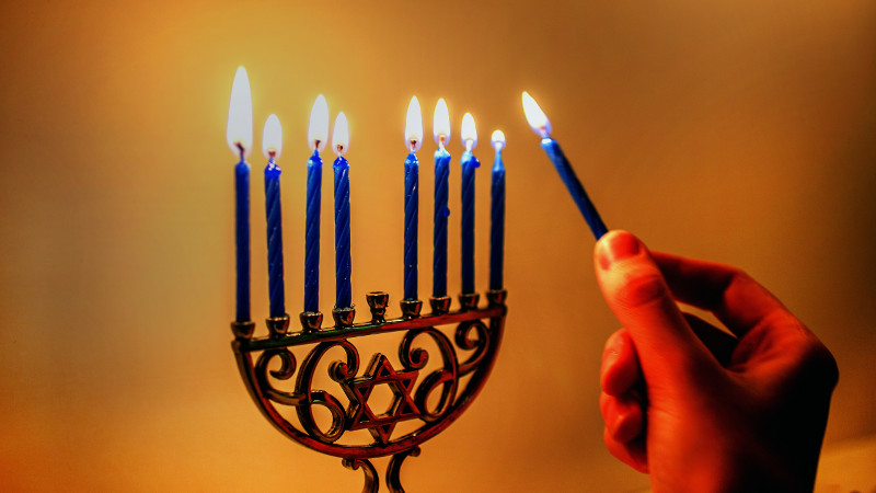 Here's How Austin Celebrates Hanukkah In Style!