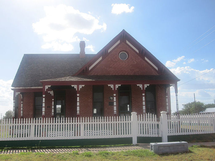 billy hathorn channing texas XIT Ranch Museum historic building ranchhouse headquarters HQ house farm cowboy cattle cows