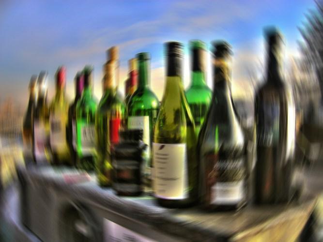 https://pixabay.com/en/alcohol-drink-alkolismus-bottles-64164/