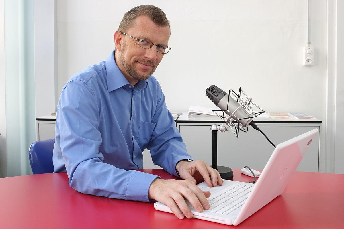 https://commons.wikimedia.org/wiki/File:Juerg_Vollmer,_Journalist.jpg#/media/File:Juerg_Vollmer,_Journalist.jpg
