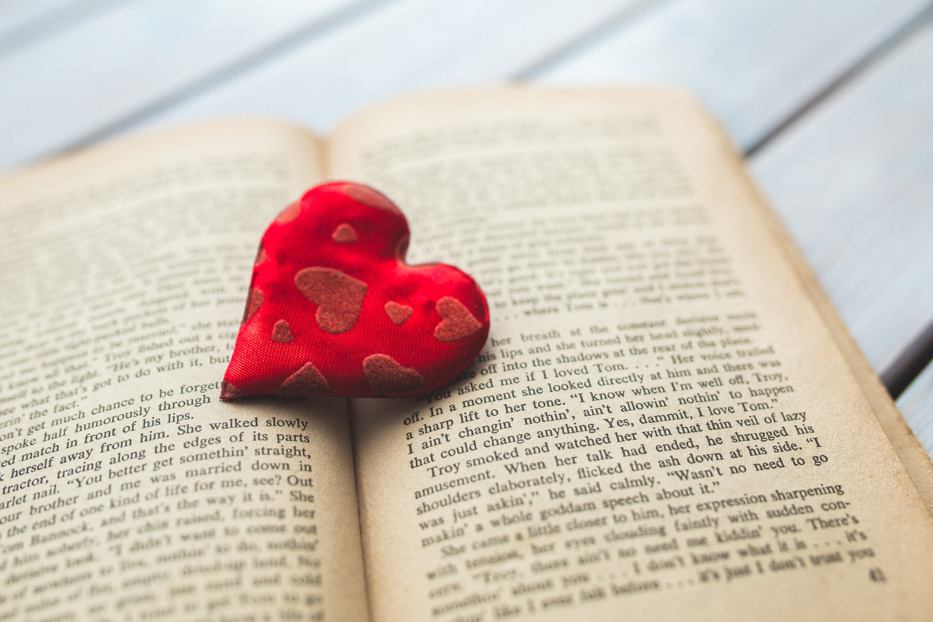 love books -- creative commons