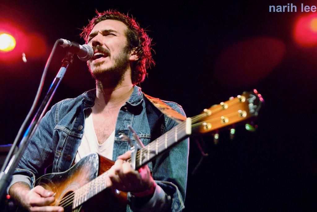 austin gibbs guitar music musician singer songwriter folk austin nashville scene live capital world