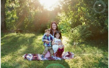 Giveaway: Mommy & Me Photo Session with Hatched Photography
