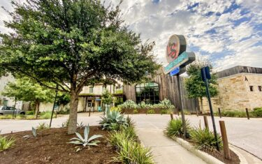Austin Boutique Hotel Lone Star Court Hotel Is The Ultimate Local Getaway