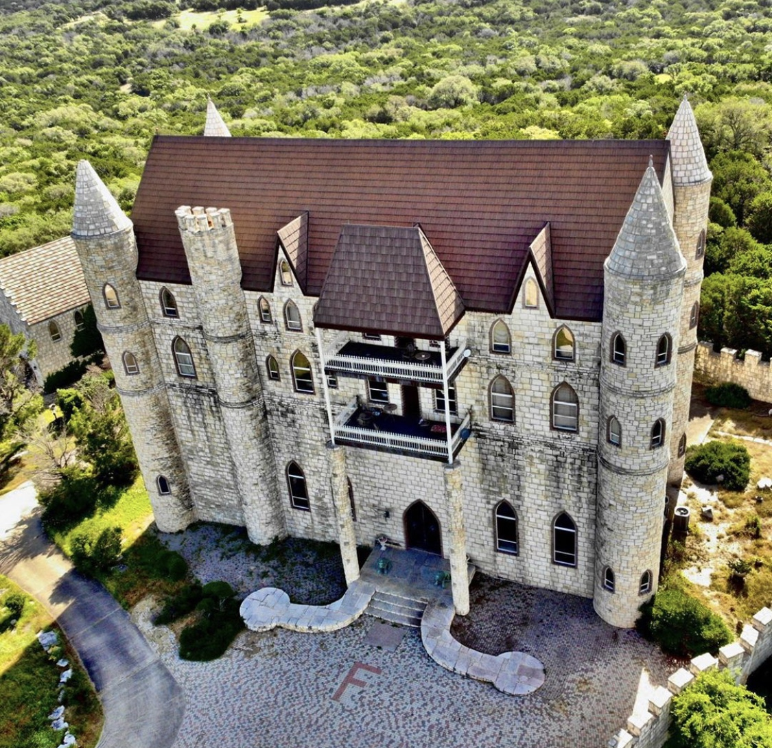 Here's Where You Can Find All The Castles in Austin